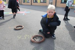 Outdoor learning - counting out natural objects